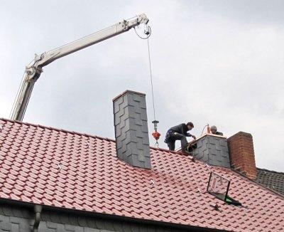 Dachdecker Herrmann-Dach GmbH & Co. KG, eigener Kran Hubarbeitsbühne Dach
